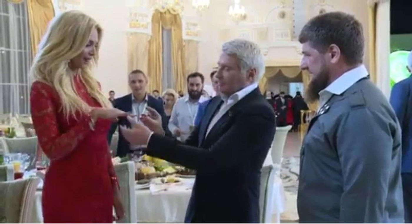 ნიკალაი ბასკოვი ქორწინდება - ნახეთ, ვინ არის მომღერლის რჩეული (+ფოტო)